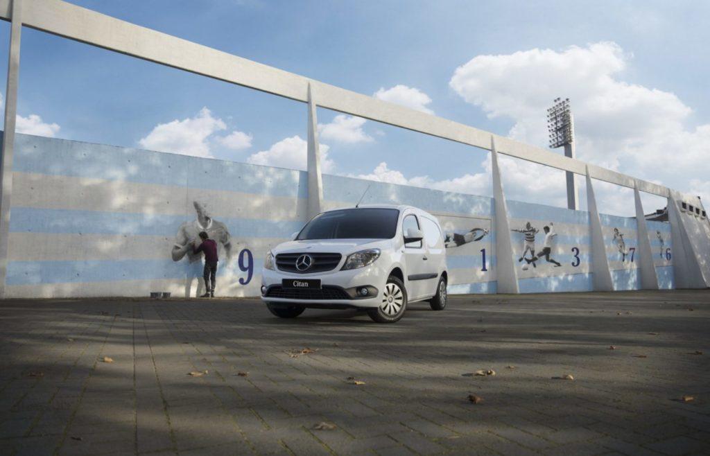 Bokaprovkörning av Mercedes Citan transportbil